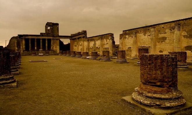 10 tàn tích cổ đại nổi tiếng thế giới