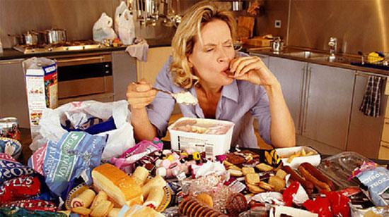 5 lý do khiến bạn luôn cảm thấy đói dù đã ăn rất nhiều