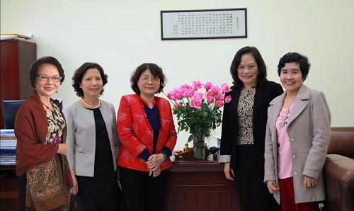 5 nhà khoa học nữ U70 nhận giải thưởng Kovalevskaia