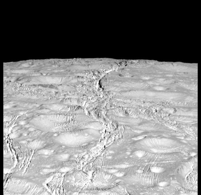 50 hình ảnh về mặt trăng Enceladus của Sao Thổ - nơi sự sống có thể tồn tại (Phần 1)