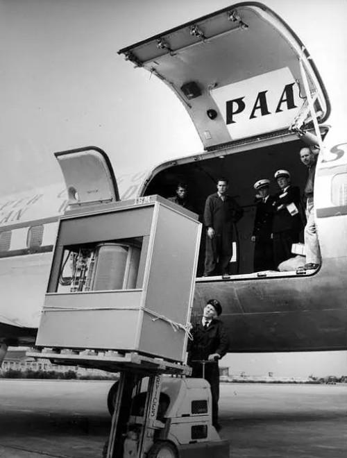 60 năm trước ổ cứng 5MB to đến đâu?