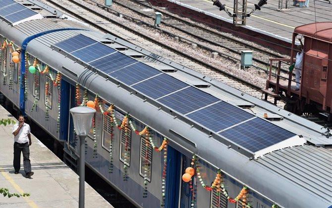 Ấn Độ thử tàu hỏa chạy bằng năng lượng mặt trời