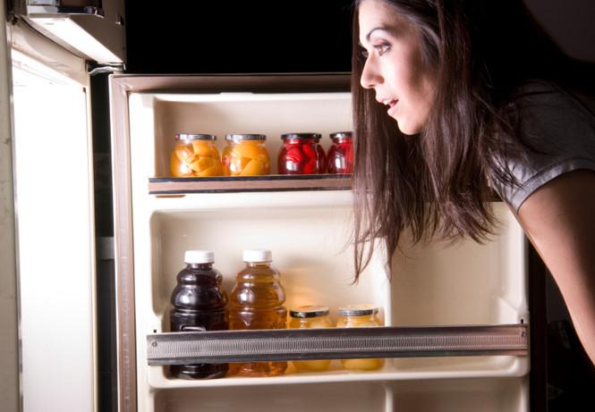 Ăn muộn có thể gây hại cho da