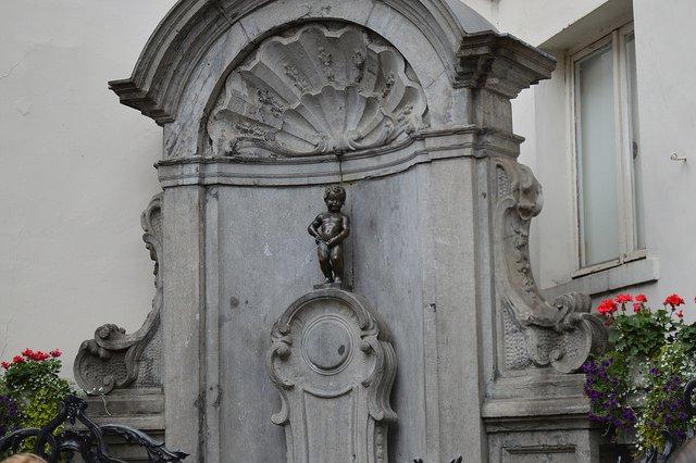 Bạn biết gì về Manneken Pis - chú bé đứng tè ở Bỉ
