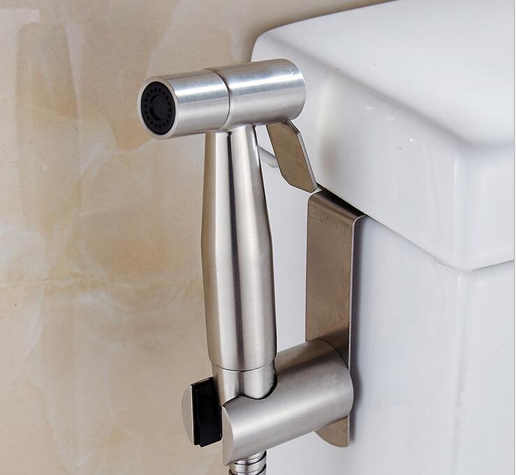 Bạn sẽ không nhìn thấy vòi xịt toilet khi đến Mỹ - vì sao vậy?