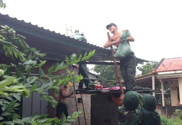 Bão đổ bộ Quảng Bình - Quảng Trị