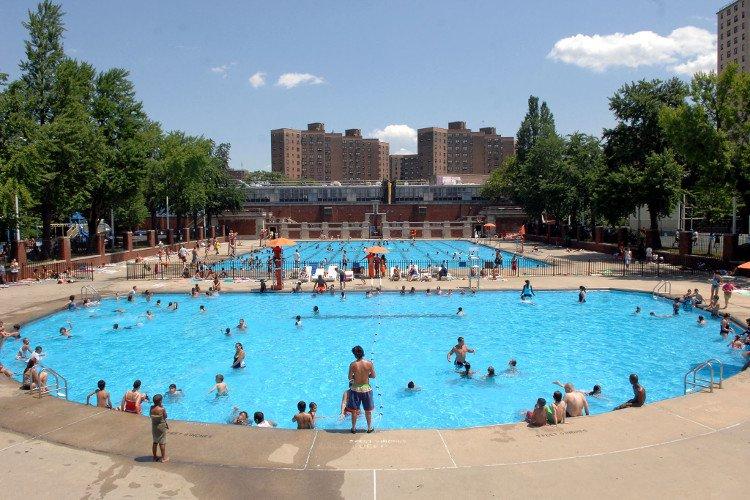 Bể bơi công cộng và những sự thật đáng sợ