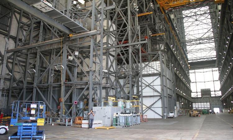 Bên trong cơ sở sản xuất tên lửa bí mật của NASA