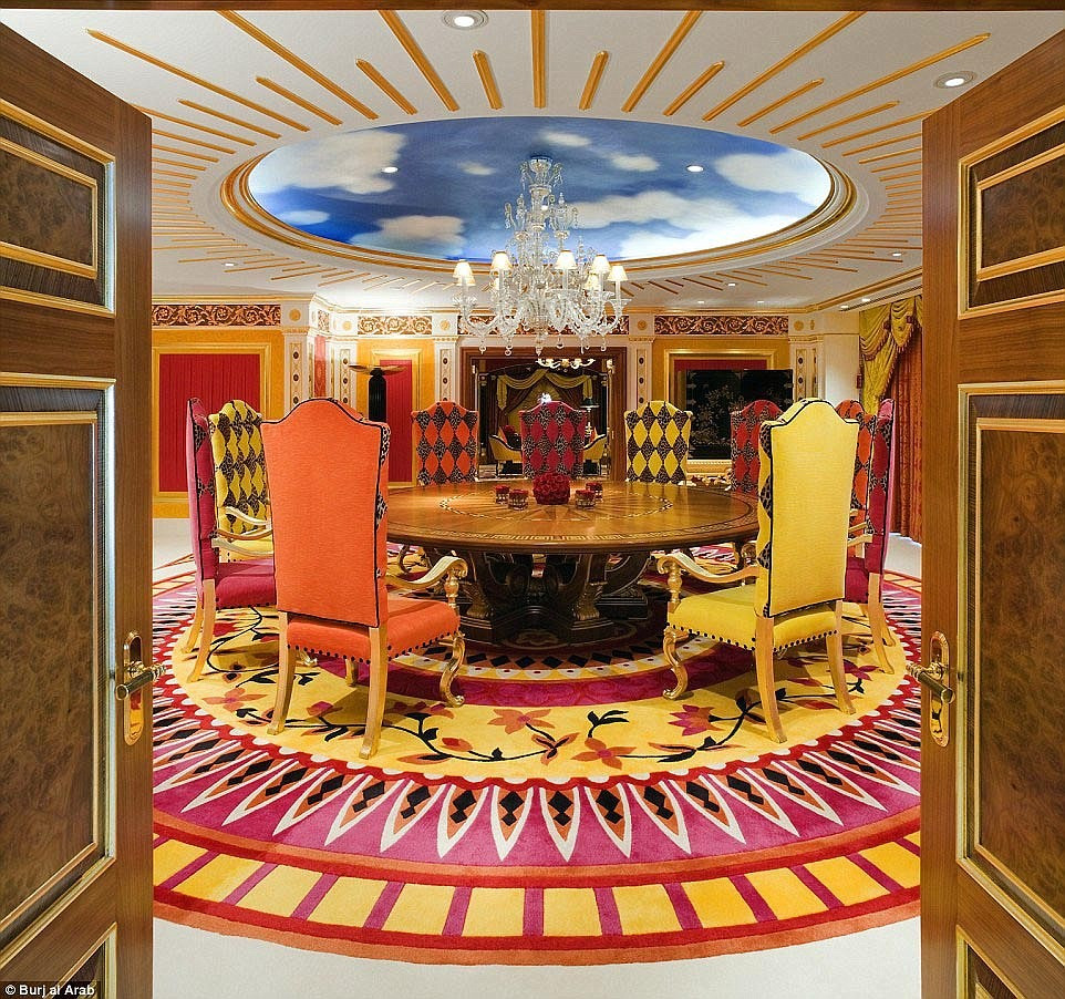 Bên trong khách sạn Dubai 7 sao quyền lực nhất mạng xã hội