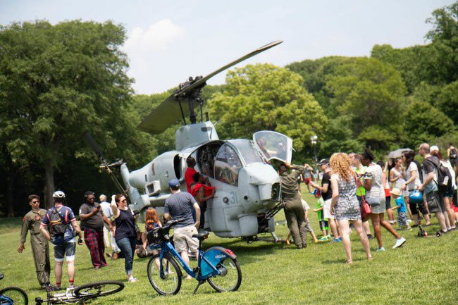 Bên trong trực thăng tấn công đầu tiên trên thế giới
