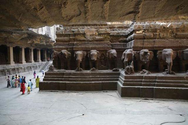 Bí ẩn ngôi đền ở Ấn Độ được tạc từ một khối đá duy nhất