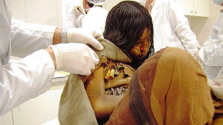 Bí mật chưa được tiết lộ về xác ướp bé gái 500 tuổi còn nguyên vẹn