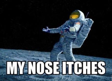 Bị ngứa mũi trong vũ trụ, các phi hành gia phải làm sao?