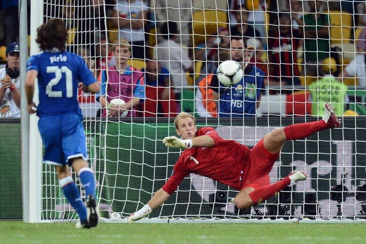 Bí quyết giúp thủ môn chiến thắng trong màn cân não đá penalty