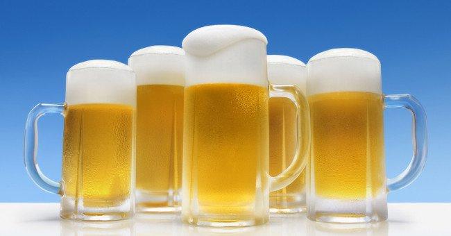 Bia, rượu và thậm chí là cả nước cam đóng chai thoang thoảng mùi tanh của cá. Lý do là...