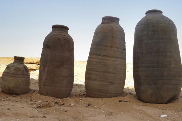 Các ngôi mộ La Mã mới được phát hiện ở Dakhla Oasis, Ai Cập