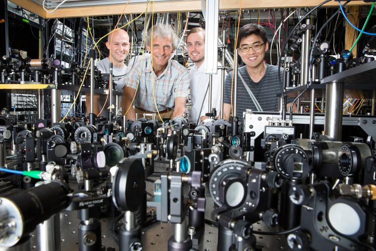 Các nhà khoa học tạo ra một trạng thái vật chất mới – vừa rắn vừa lỏng