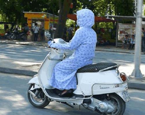 Cách chống nóng khi ra ngoài đường