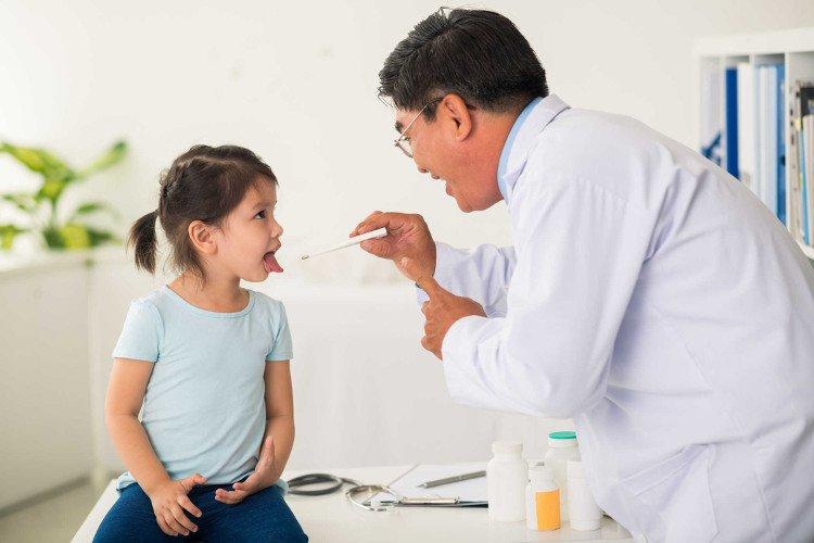 Cảnh giác bệnh và tai nạn trẻ thường gặp cận Tết