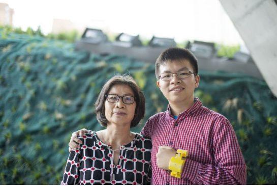 Cậu bé gốc Việt phát minh thiết bị cảnh báo suy tim vì mẹ