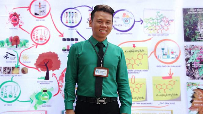 Chàng trai tìm ra chất kháng tế bào ung thư tuyến tụy từ ong dú