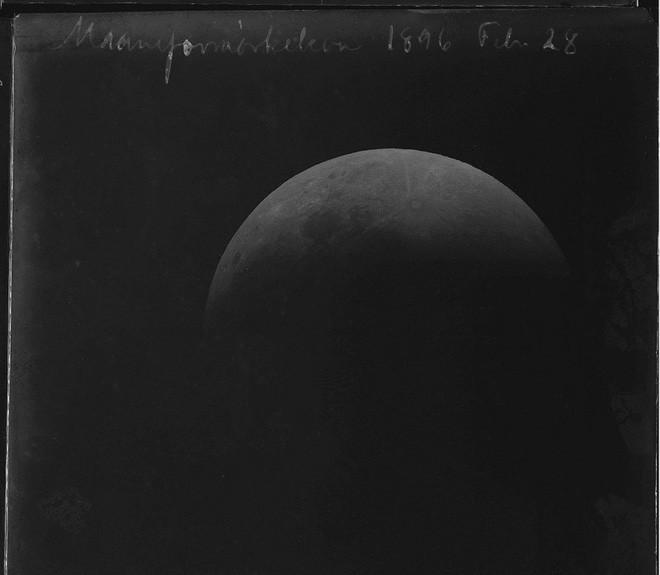 Chiêm ngưỡng bức ảnh đầu tiên về hiện tượng nhật thực ra đời năm 1851