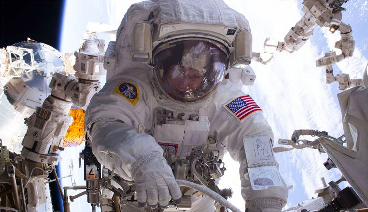 Chuyến đi bộ ngoài không gian thứ 200 trên Trạm Vũ trụ Quốc tế