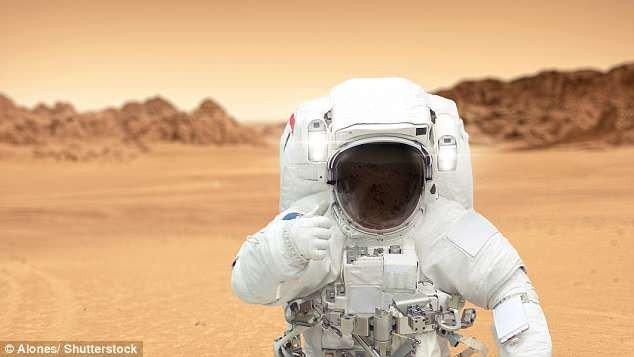 Chuyên gia NASA: Người đầu tiên đặt chân lên sao Hỏa phải là phụ nữ