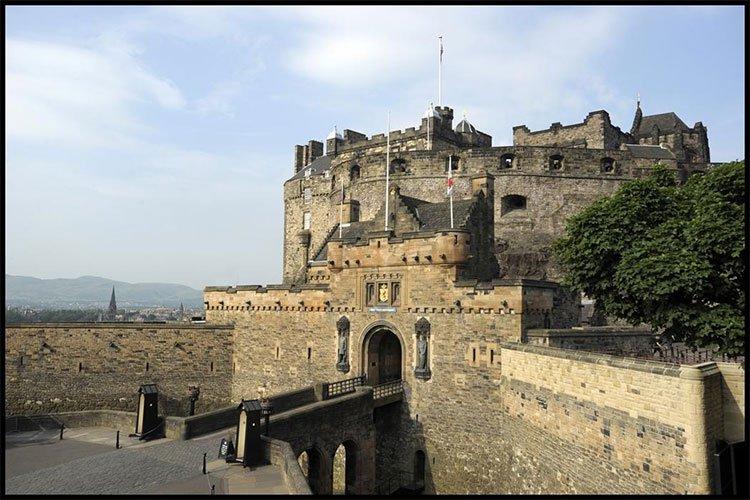 Chuyện kỳ bí khó giải ở lâu đài Edinburgh