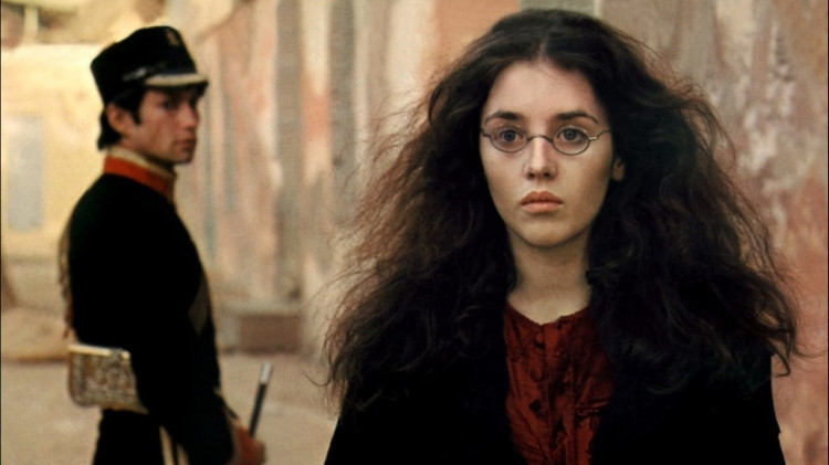 Có một hội chứng tâm lý ám ảnh tình yêu cực kỳ nguy hiểm mang tên... Adele?