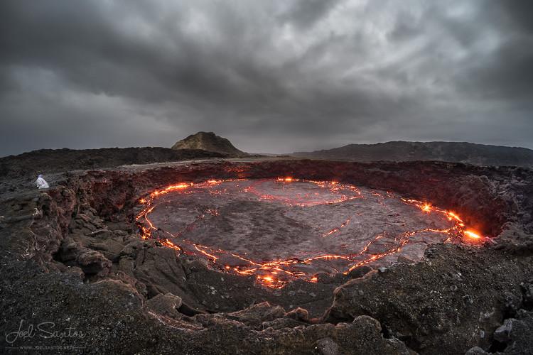 Cổng địa ngục ở Ethiopia chằng chịt vết nứt dài 7km