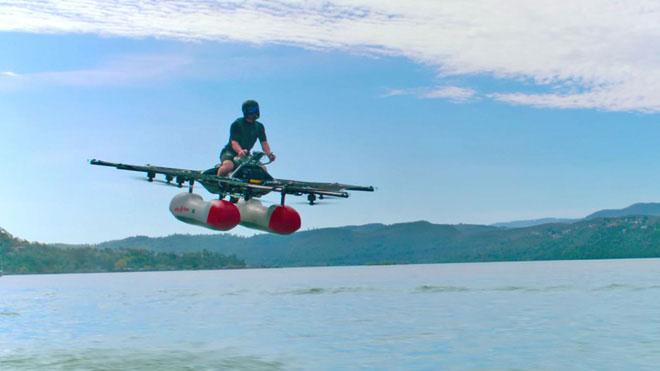Cùng xem ngôi sao YouTube Casey Neistat cưỡi chiếc ô tô bay đầu tiên