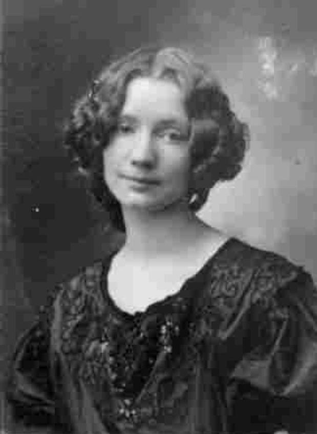 Cuộc đời thật của Lili Elbe - Người chuyển giới đầu tiên trên thế giới