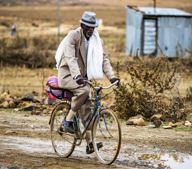 Cuộc sống lạ lùng ở quốc gia bí ẩn nhất châu Phi