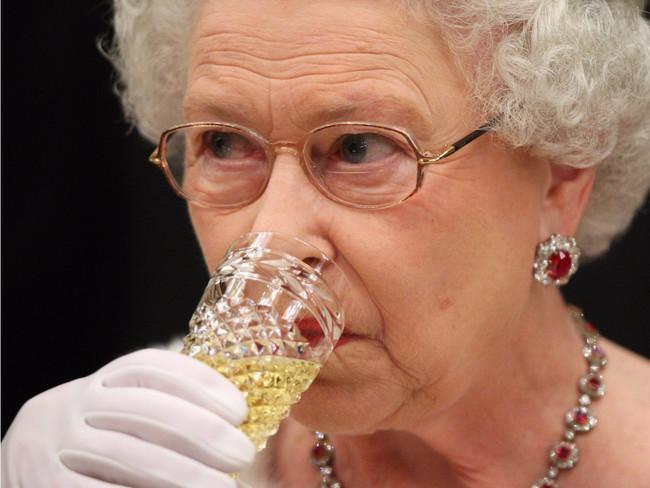 Đồ ăn hàng ngày của Nữ hoàng Anh sẽ có những gì nhỉ?