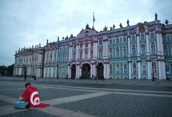 Đội tuyển Anh ngủ kiểu gì khi 11 giờ đêm Mặt Trời ở St. Petersburg còn chưa lặn?