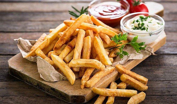 Dù biết ăn vào béo ú nhưng sao ta cứ mê mẩn món khoai tây chiên đến vậy?