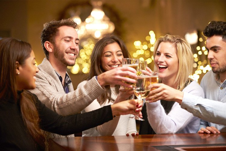 Dù uống các loại khác nhau thế nhưng mùi bia rượu thì chỉ có một và đây chính là lý do