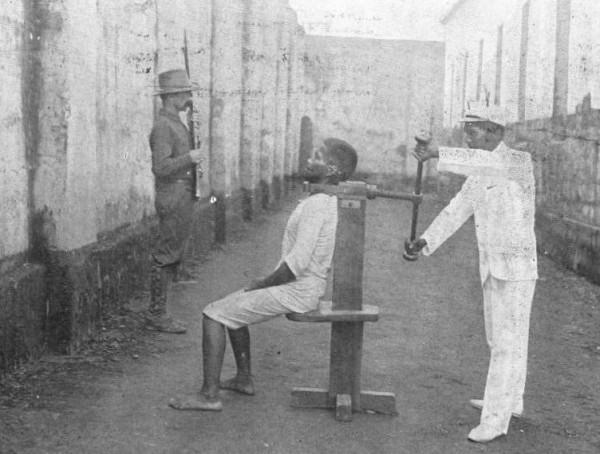 Dựng tóc gáy trước những kiểu tra tấn độc dị nhất thế giới (Phần 1)