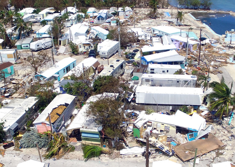 Florida sau siêu bão thế kỷ Irma: Tối tăm, lụt lội và đổ nát