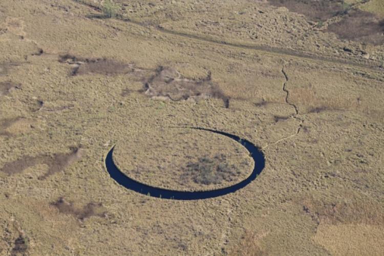 Ghé qua hòn đảo con mắt kỳ bí bậc nhất ở Argentina