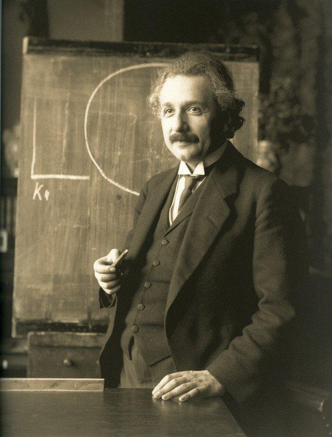 Gia đình Einstein đã phải trả giá đắt thế nào để đánh đổi cho thế giới một thiên tài?