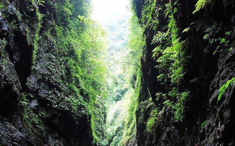Giải mã bí ẩn Thung lũng chết ở Trung Quốc
