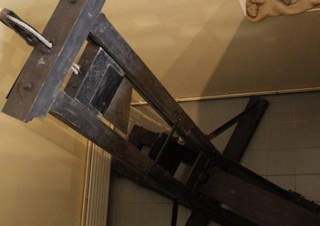 Giải mã bí mật tử hình bằng máy chém tàn khốc thời xưa