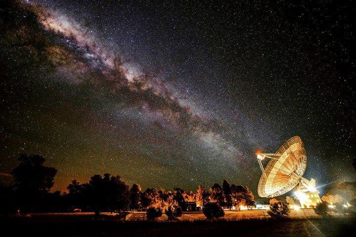 """Giới khoa học khởi động dự án triệu đô để """"lắng nghe"""" người ngoài hành tinh"""