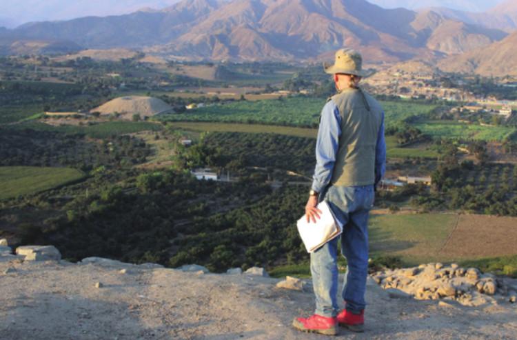 Hai giả thuyết về kim tự tháp hình núi lửa ở Peru