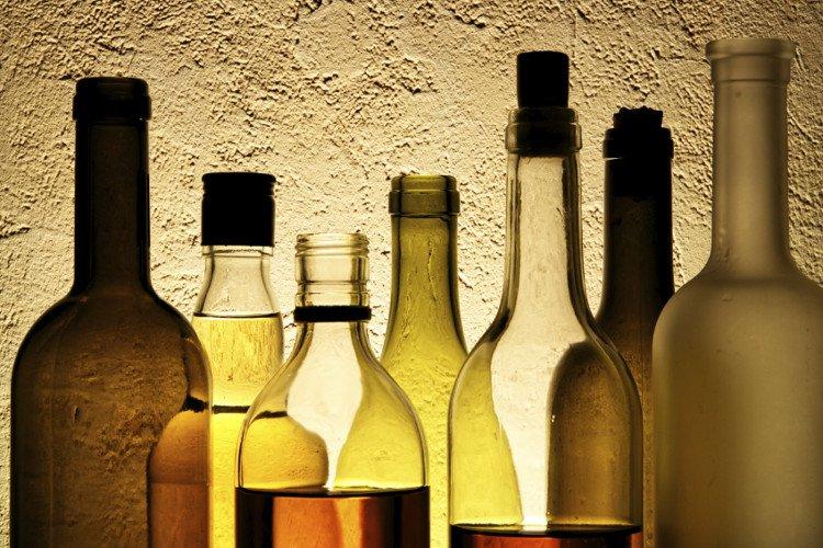 Hiểm họa chết người từ methanol trong rượu lậu