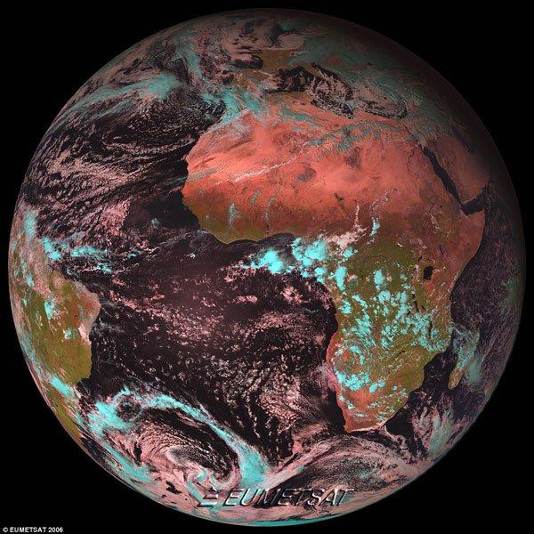 Hình ảnh đẹp ngoạn mục của Trái Đất chụp từ vệ tinh MSG-4
