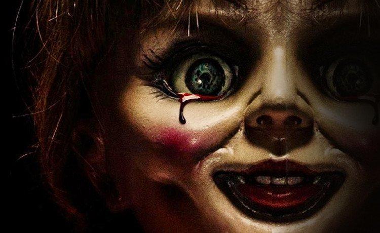 Hóa ra không phải tự nhiên mà Annabelle chọn nhập vào một con búp bê