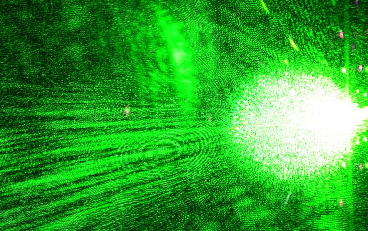 Hoạt động bằng ánh sáng, tốc độ máy tính nhanh hơn gấp 20 lần